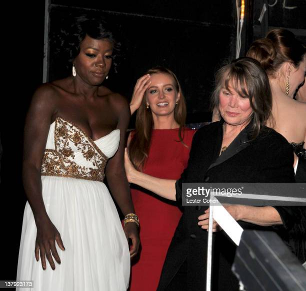Actresses Viola Davis Ahna O'Reilly and Sissy Spacek attend The 18th Annual Screen Actors Guild Awards broadcast on TNT/TBS at The Shrine Auditorium...