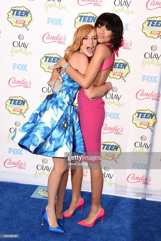 Actresses/Recording artists Bella Thorne (L) and Zendaya attend FOX's 2014 Teen Choice Awards at The Shrine Auditorium on August 10, 2014 in Los Angeles, California.