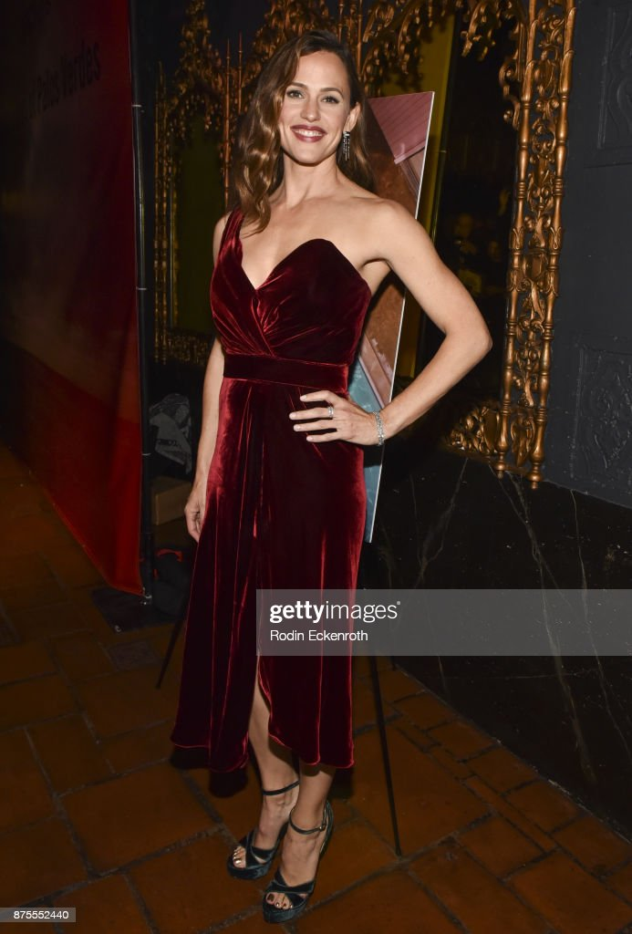 Actress/Executive Producer Jennifer Garner arrives at the premiere of IFC Films' 'The Tribes of Palos Verdes' at The Theatre at Ace Hotel on November 17, 2017 in Los Angeles, California.