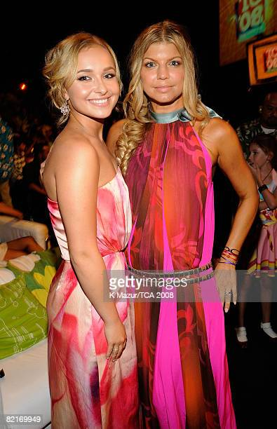 LOS ANGELES CA AUGUST 03 ActressHayden Panettiere and singer Fergie during the 2008 Teen Choice Awards at Gibson Amphitheater on August 3 2008 in Los...