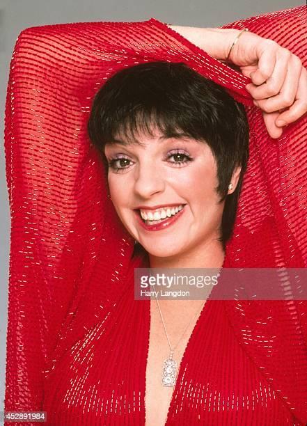 ActressLiza Minnelli poses for a portrait in 1983 in Los Angeles California