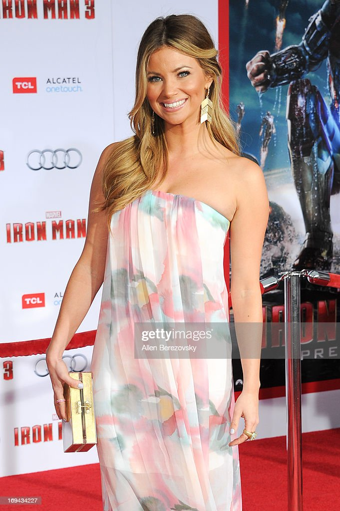 """Iron Man 3"" - Los Angeles Premiere - Arrivals : News Photo"