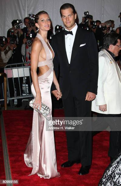 Actress/model Gisele Bundchen and athlete Tom Brady arrive to the Metropolitan Museum of Art Costume Institute Gala Superheroes Fashion and Fantasy...