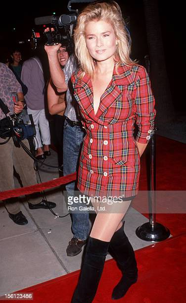 Actress/Model Kimber Sissons attending the premiere of 'My Private Idaho' on October 11 1991 at the Academy Theater in Beverly Hills California