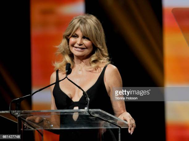 Actress/producer Goldie Hawn recipient of the Cinema Icon Award attends the CinemaCon Big Screen Achievement Awards at The Colosseum at Caesars...