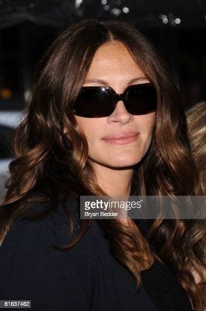 Actressproducer Julia Roberts arrives at the premiere of Kit Kittredge An American Girl at The Ziegfeld Theater on June 19 2008 in New York City
