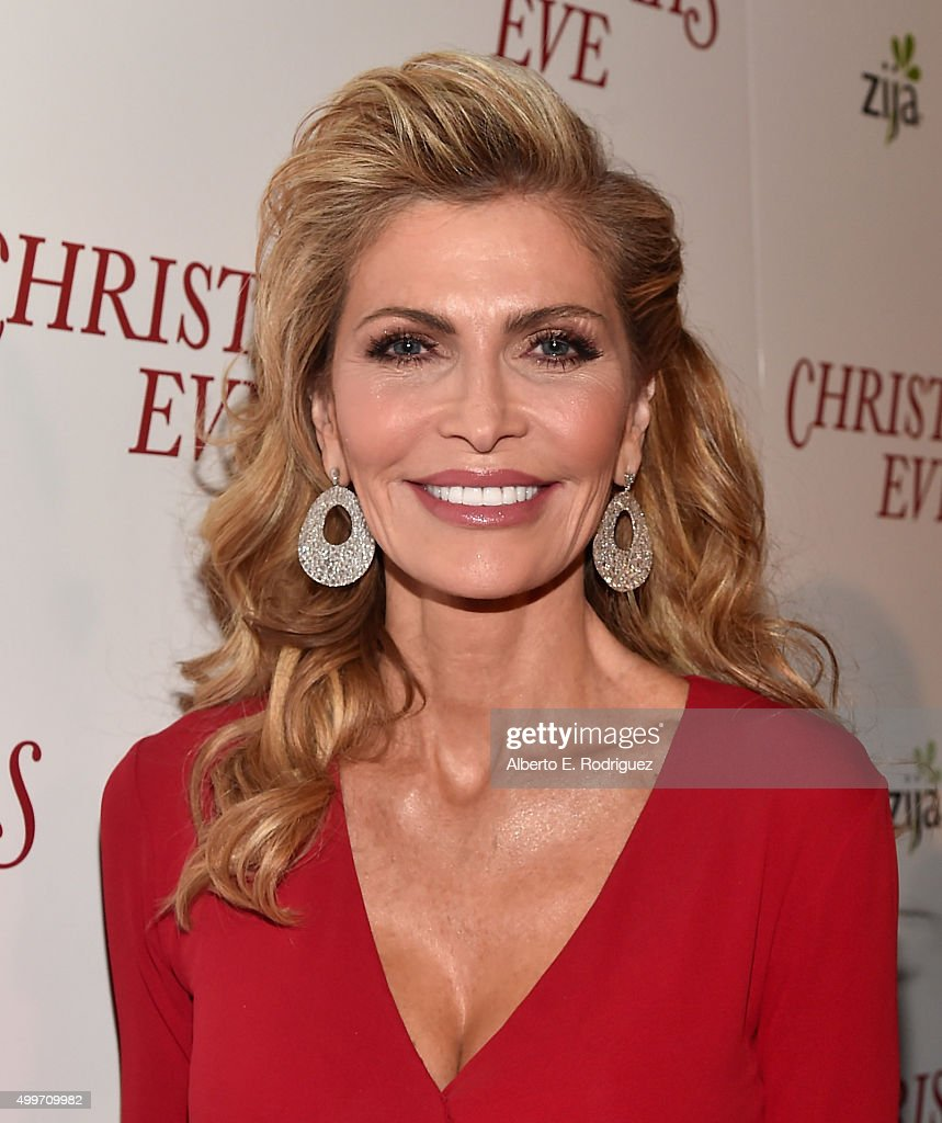 Actress/producer Shawn King attends the premiere of 'Christmas Eve' at ArcLight Hollywood on December 2, 2015 in Hollywood, California.