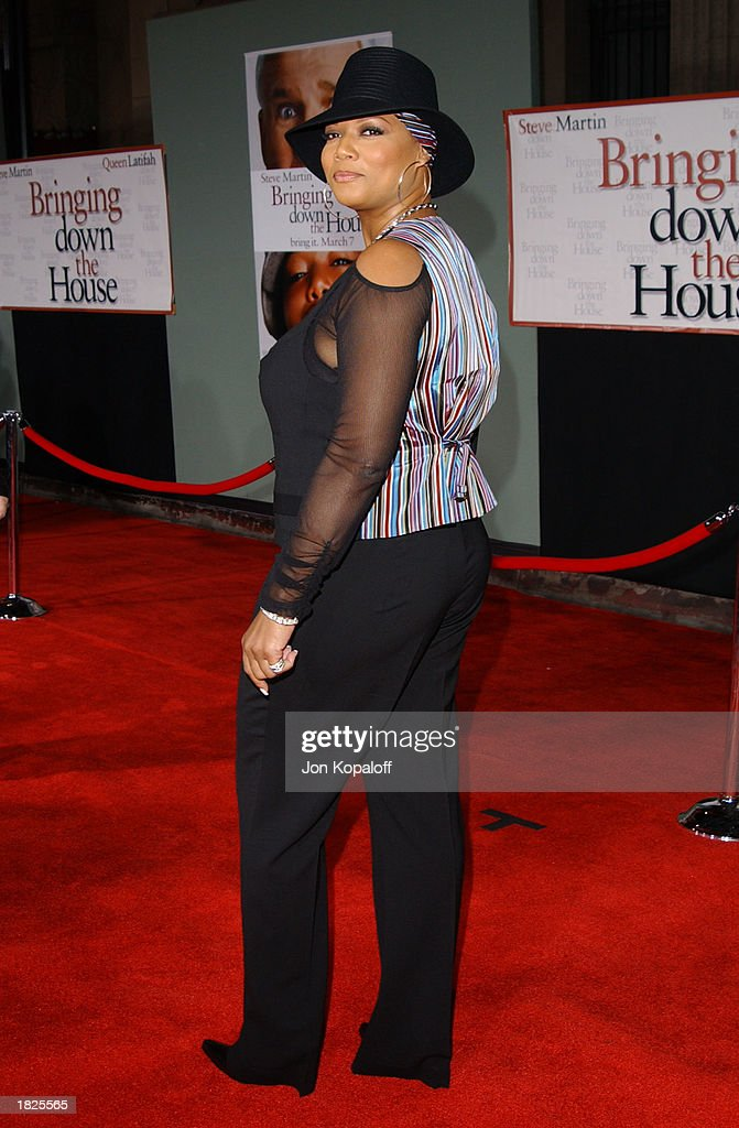 Actress/producer/recording artist Queen Latifah attends the premiere of 'Bringing Down The House' at the El Capitan Theater on March 2, 2003 in Hollywood, California.