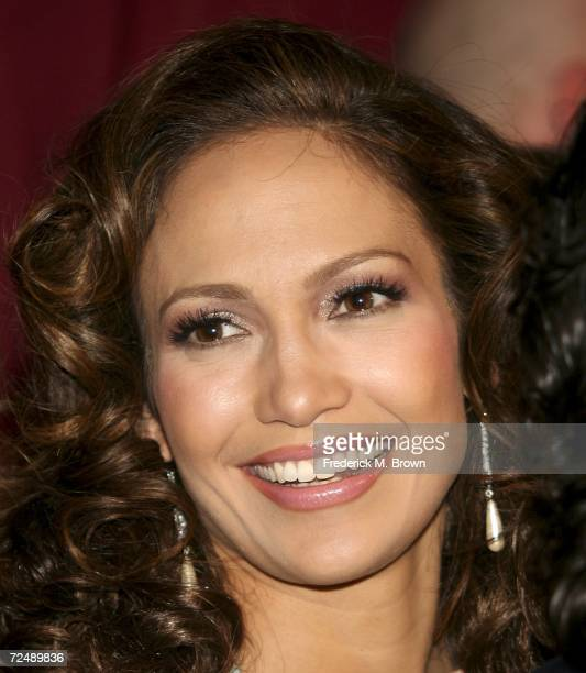 Actress/recording artist Jennifer Lopez attends the Singers and Songs Celebrate Tony Bennett's 80th birthday event at the Kodak Theater on November 9...