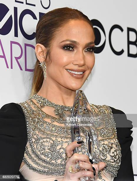 """Actress/recording artist Jennifer Lopez, winner of the Favorite TV Crime Drama Actress Award for """"Shades of Blue"""", poses in the press room during the..."""