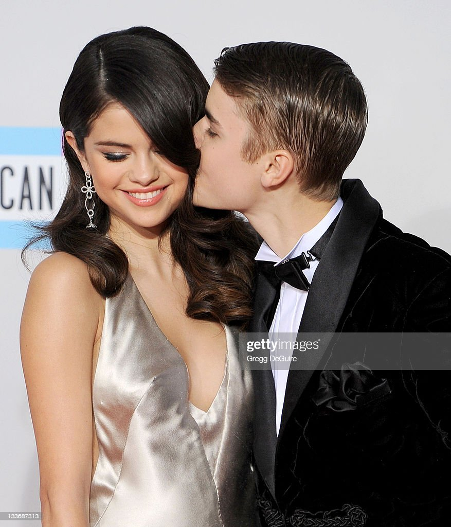 2011 American Music Awards - Arrivals : News Photo