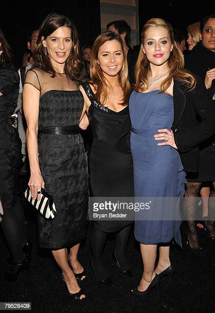 Actresss Perrey Reeves designer Monique Lhuillier and actress Brittany Murphy backstage at the Monique Lhuillier Fall 2008 fashion show during...
