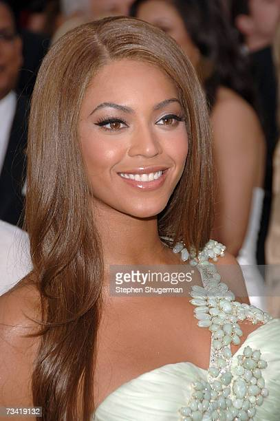 Actress/singer Beyonce Knowles attends the 79th Annual Academy Awards held at the Kodak Theatre on February 25 2007 in Hollywood California