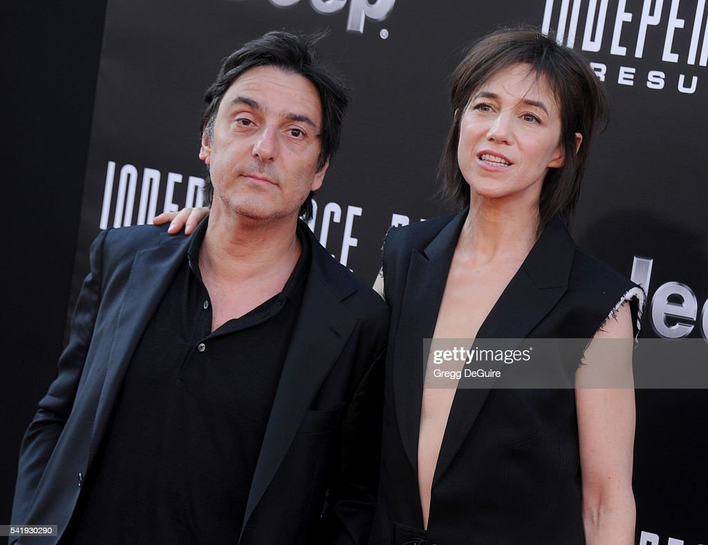 """Premiere Of 20th Century Fox's """"Independence Day: Resurgence"""" - Arrivals : News Photo"""