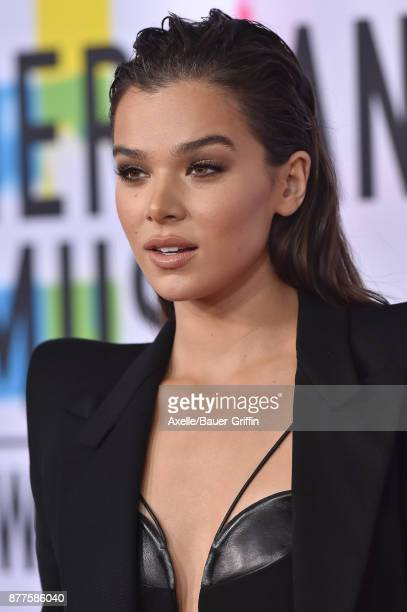 Actress/singer Hailee Steinfeld arrives at the 2017 American Music Awards at Microsoft Theater on November 19 2017 in Los Angeles California