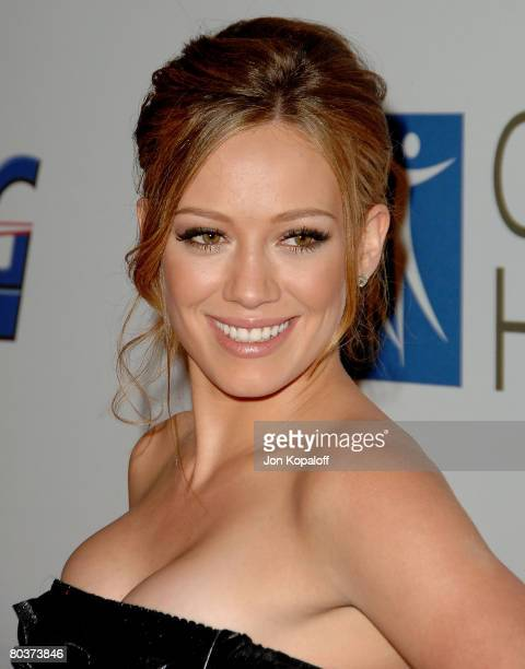 """Actress/Singer Hilary Duff arrives at the """"2007 Spirit Of Life Awards"""" at Pacific Design Center on September 27, 2007 in West Hollywood, California."""