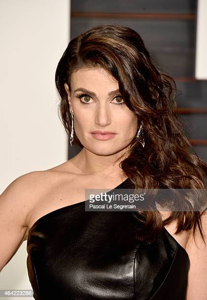 Actress/singer Idina Menzel attends the 2015 Vanity Fair Oscar Party hosted by Graydon Carter at Wallis Annenberg Center for the Performing Arts on...