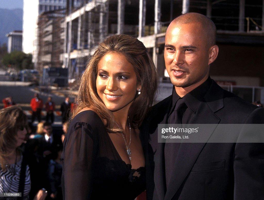 Actress/Singer Jennifer Lopez and boyfriend Cris Judd attend the Sixth Annual ALMA Awards on April 22, 2001 at Pasadena Civic Auditorium in Pasadena, California.