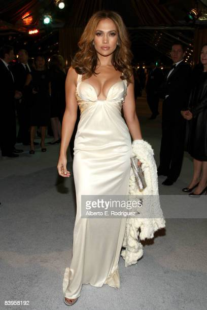 Actress/singer Jennifer Lopez arrives at the premiere of Paramount's The Curious Case Of Benjamin Button held at Mann's Village Theatre on Decemeber...