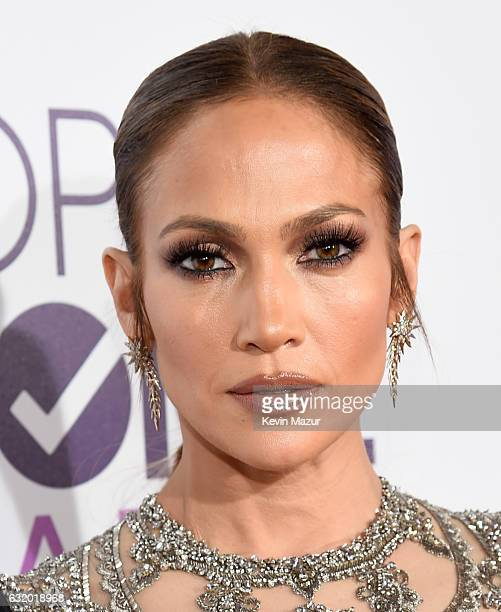 Actress/singer Jennifer Lopez attends the People's Choice Awards 2017 at Microsoft Theater on January 18 2017 in Los Angeles California