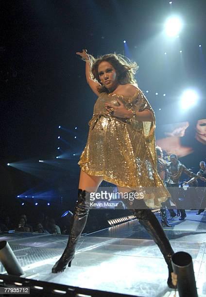 MIAMI NOVEMBER 07 Actress/Singer Jennifer Lopez performs during the 'En Concierto' tour on November 7 2007 in Miami Florida **Exclusive**