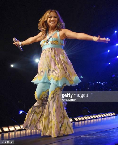 "Actress/Singer Jennifer Lopez performs during the ""En Concierto"" tour on November 7, 2007 in Miami, Florida. **Exclusive**"