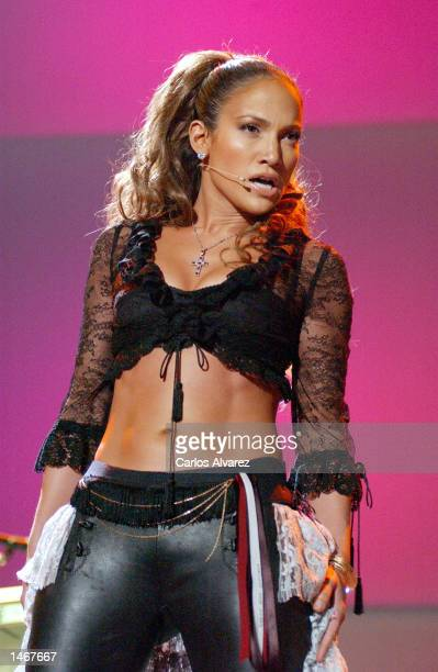 Actress/singer Jennifer Lopez performs on stage during the Onda Music Awards show November 29 2001 in Barcelona Spain It has been reported that Lopez...