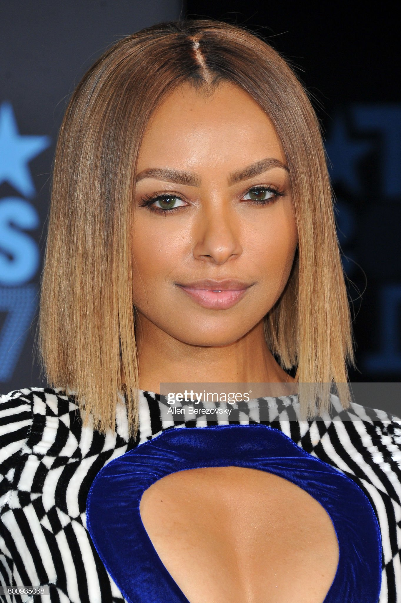COLOR DE OJOS (clasificación y debate de personas famosas) - Página 11 Actresssinger-kat-graham-arrives-at-the-2017-bet-awards-at-microsoft-picture-id800935068?s=2048x2048