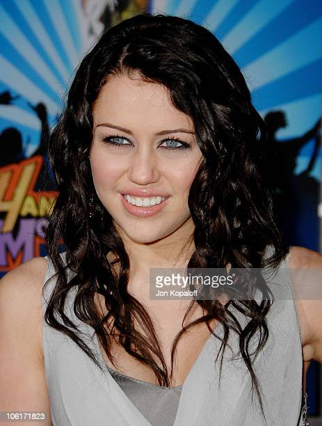 Actress/singer Miley Cyrus arrives at the Los Angeles Premiere 'Hannah Montana Miley Cyrus Best Of Both Worlds Concert 3D' at the El Capitan Theater...