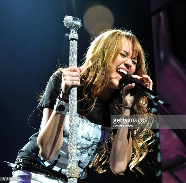 UNIVERSAL CITY CA SEPTEMBER 14 Actress/singer Miley Cyrus performs at the City of Hope Benefit Concert with Miley Cyrus Jonas Brothers at the Gibson...