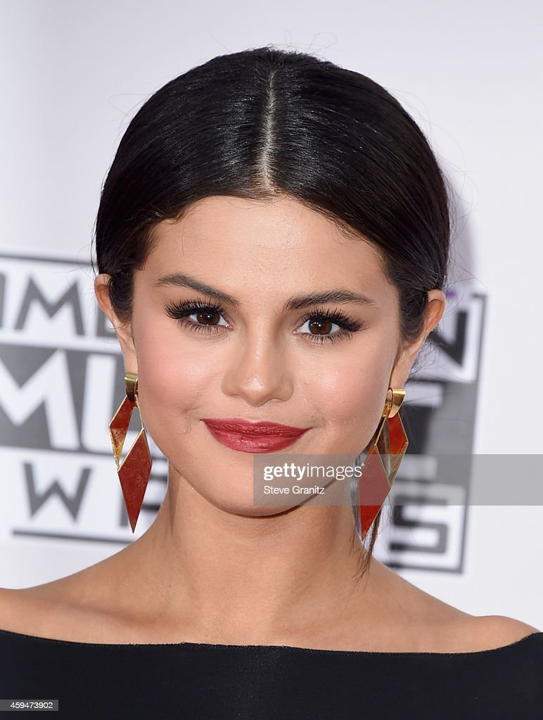 Actress/singer Selena Gomez attends the 2014 American Music Awards at Nokia Theatre L.A. Live on November 23, 2014 in Los Angeles, California.