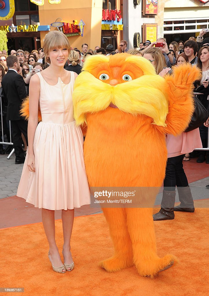 """Premiere Of Universal Pictures And Illumination Entertainment's 3D-CG """"Dr. Seuss' The Lorax"""" - Arrivals : News Photo"""