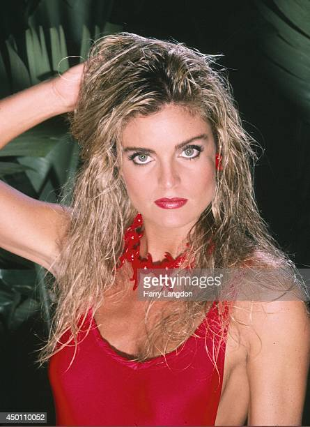 ActressTracy Scoggins poses for a portrait in 1985 in Los Angeles California
