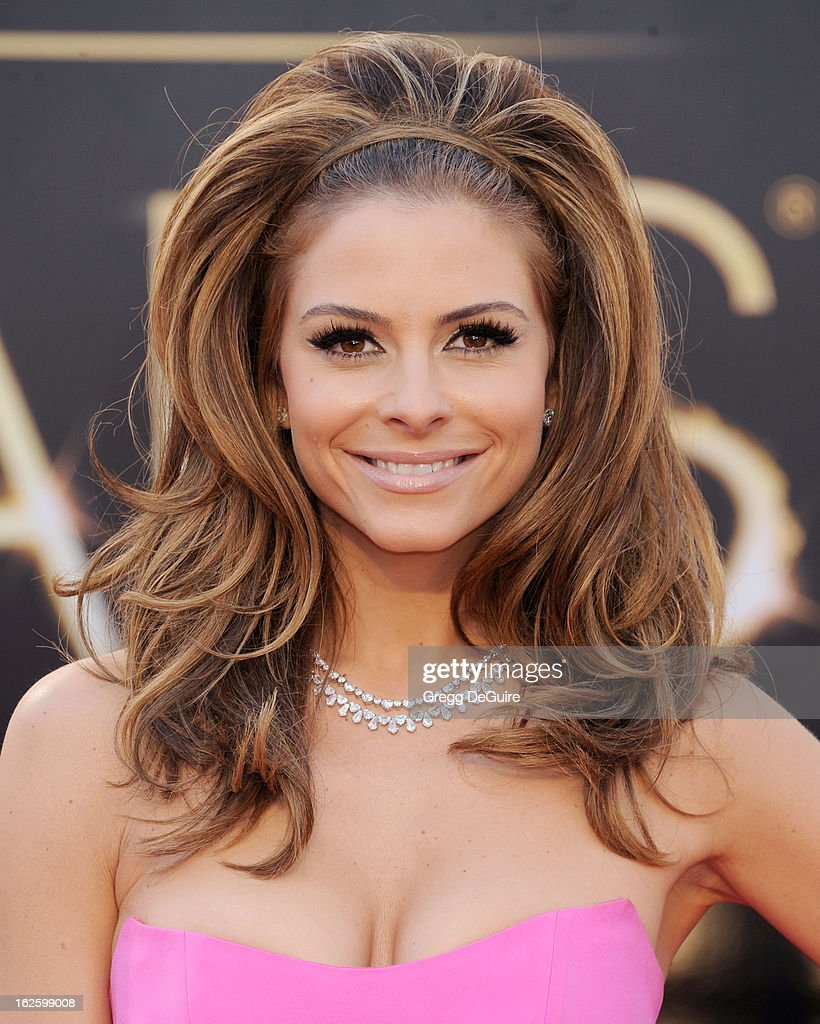 Actress/TV personality Maria Menounos arrives at the Oscars at Hollywood & Highland Center on February 24, 2013 in Hollywood, California.