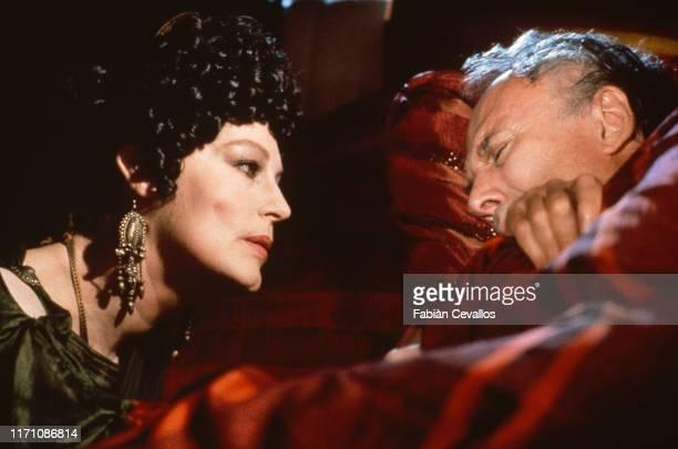 Actrice américaine Ava Gardner, dans le rôle de la redoutable Agrippine avec l'acteur américain Richard Kiley avec le rôle de Claude dans la...