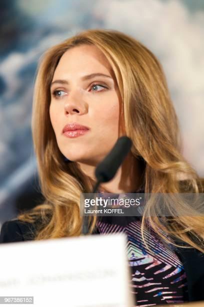 L'actrice américaine Scarlett Johansson durant la conférence de presse du film 'Captain America le soldat de l'hiver' le 17 mars 2014 à l'hôtel Park...