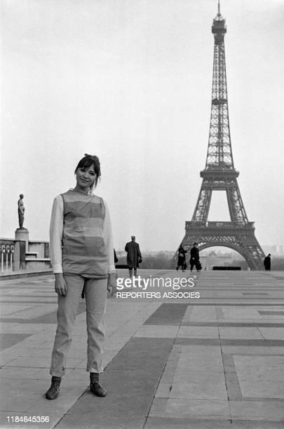 L'actrice Anna Karina lors du tournage du téléfilm 'Anna' réalisé par Pierre Koralnik à Paris le 2 février 1966 France