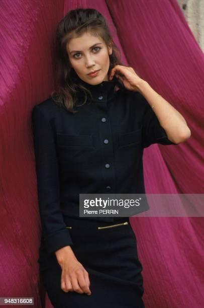 Actrice Anne Roussel lors du tournage du film 'Flagrant Désir' réalisé par Claude Faraldo en octobre 1985 en France.