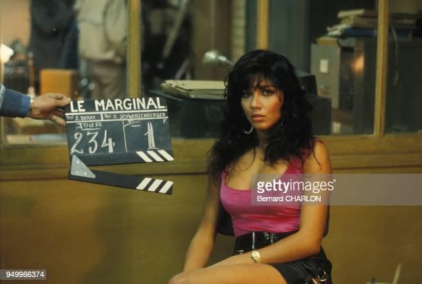 L'actrice Carlos Sotto Mayor sur le tournage du film 'Le Marginal' de Jacques Deray le 3 mai 1983 à Paris France