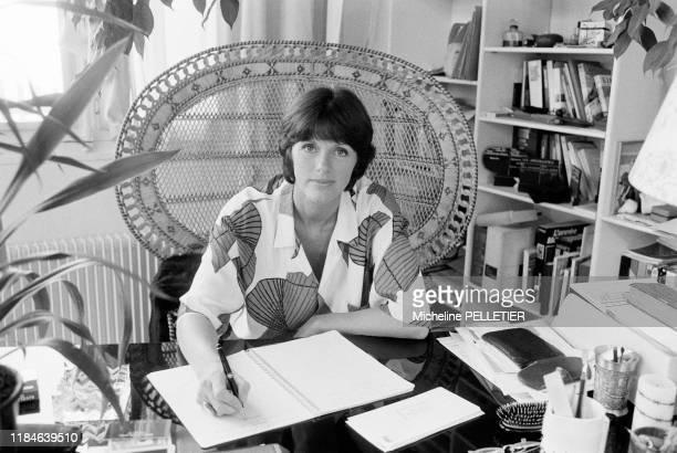 Actrice française Anny Duperey chez elle à Paris le 20 septembre 1985, France.