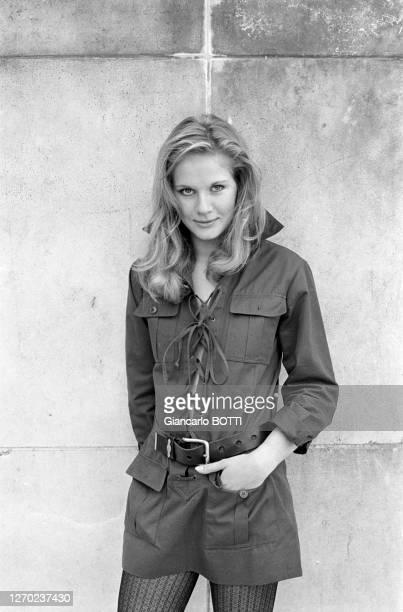 Actrice française Dominique Sanda à Paris dans les années 70, France. Circa 1960.