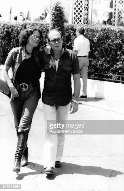 L'actrice italienne Claudia Cardinale avec son mari le realisateur Pasquale Squitieri au festival de Cannes le 17 mai 1976 a Cannes France