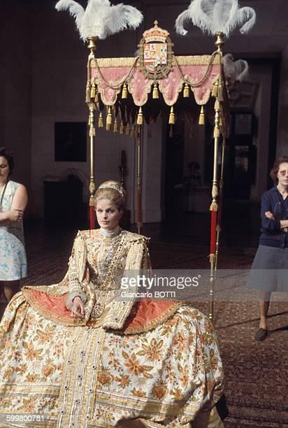 Actrice Karin Schubert lors du tournage du film de Gérard Oury 'La Folie des grandeurs' en 1971 en France .