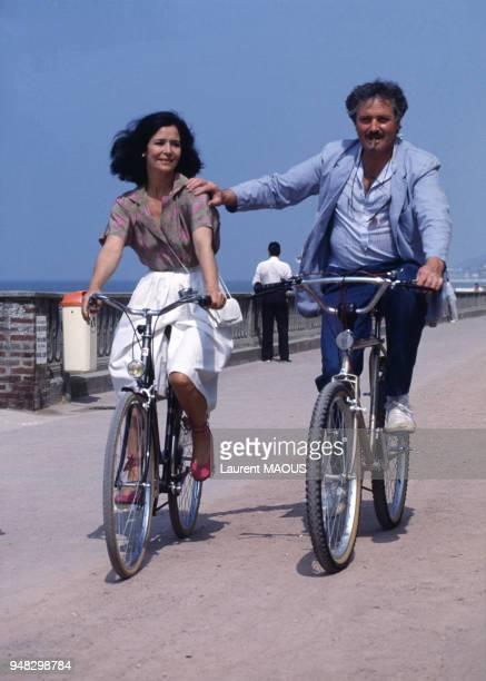 Actrice Marie-José Nat et l'acteur Victor Lanoux au Festival du film romantique en juin 1984 à Cabourg, France.