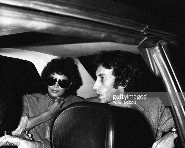 L'actrice Raquel Welch et son mari André Weinfeld sont de passage à Paris le 8 septembre 1981 Paris France