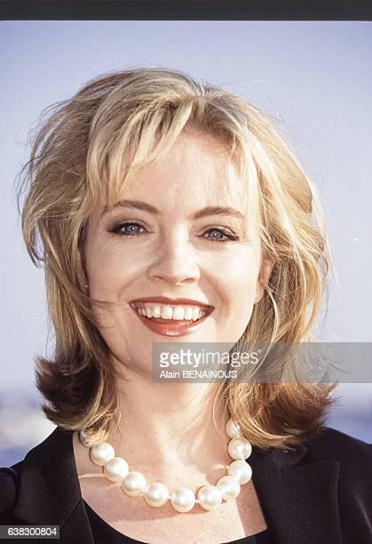 L'actrice Rebecca Gibney lors d'une interview à la TV française le 10 avril 1995 en France