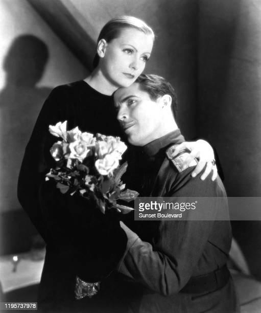 Actrice suédoise Greta Garbo et l'acteur mexicain Ramon Novarro lors du tournage du film Mata Hari réalisé par George Fitzmaurice.