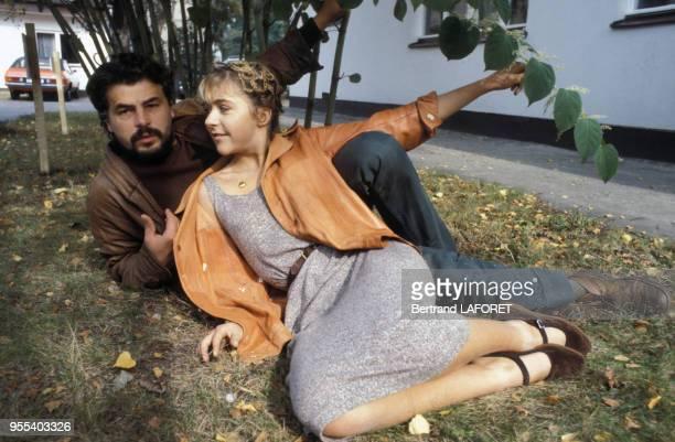 L'actrice suisse Anne Bennent et l'acteur italien Michele Placido sur le tournage du film 'Lulu' de Walerian Borowczyk le 1 octobre 1979 à Berlin...