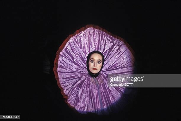 L'actrice Victoria Chaplin lors de son spectacle du Cirque imaginaire circa 1970 en France