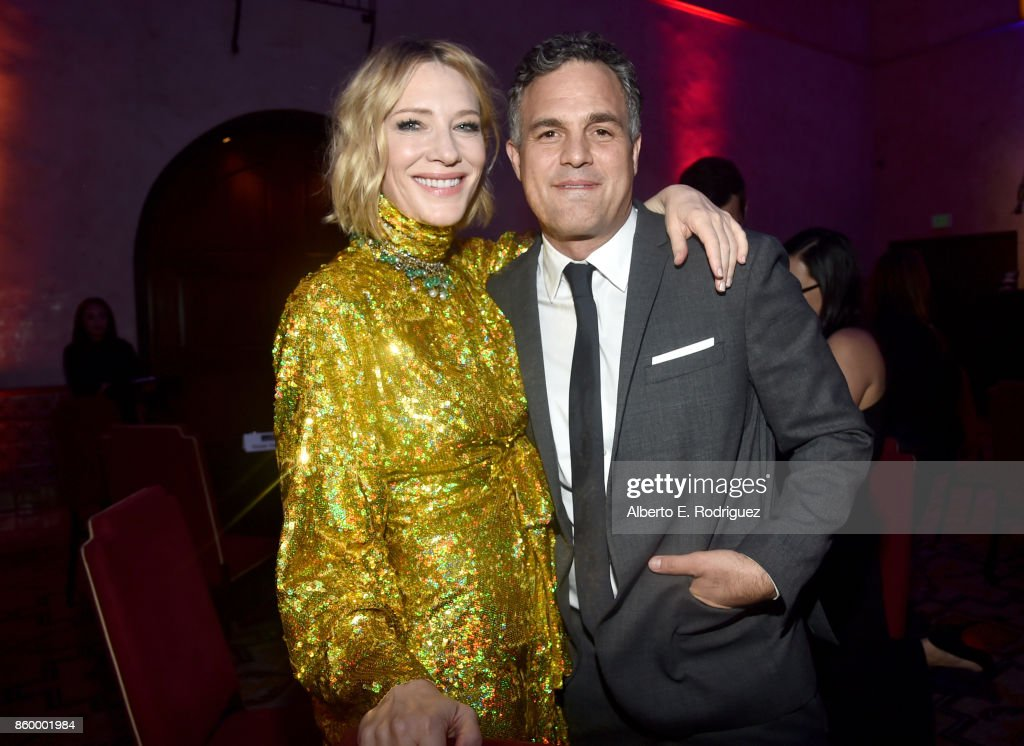 Actros Cate Blanchett (L) and Mark Ruffalo at The World Premiere of Marvel Studios' 'Thor: Ragnarok' at the El Capitan Theatre on October 10, 2017 in Hollywood, California.